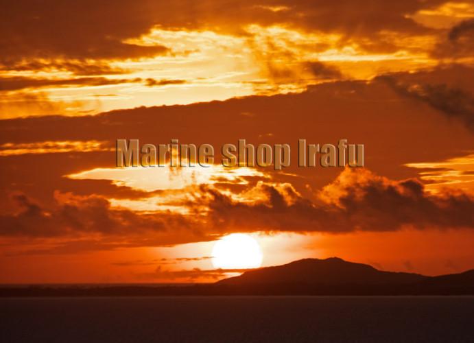大神島と朝日
